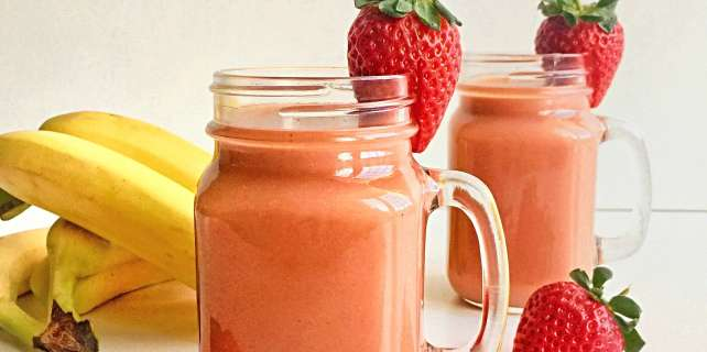 Strawberry banana smoothie made with real milk